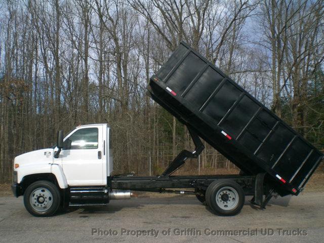 2005 Chevrolet C6500  Dump Truck