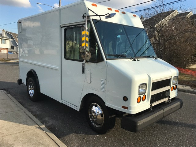 1997 Gmc Utilimaster P30 11 Foot Stepvan Food Truck Beverage Truck