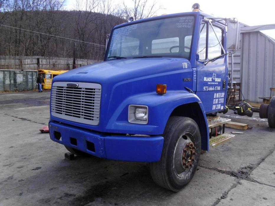 2000 Freightliner Fl70 Salvage Truck