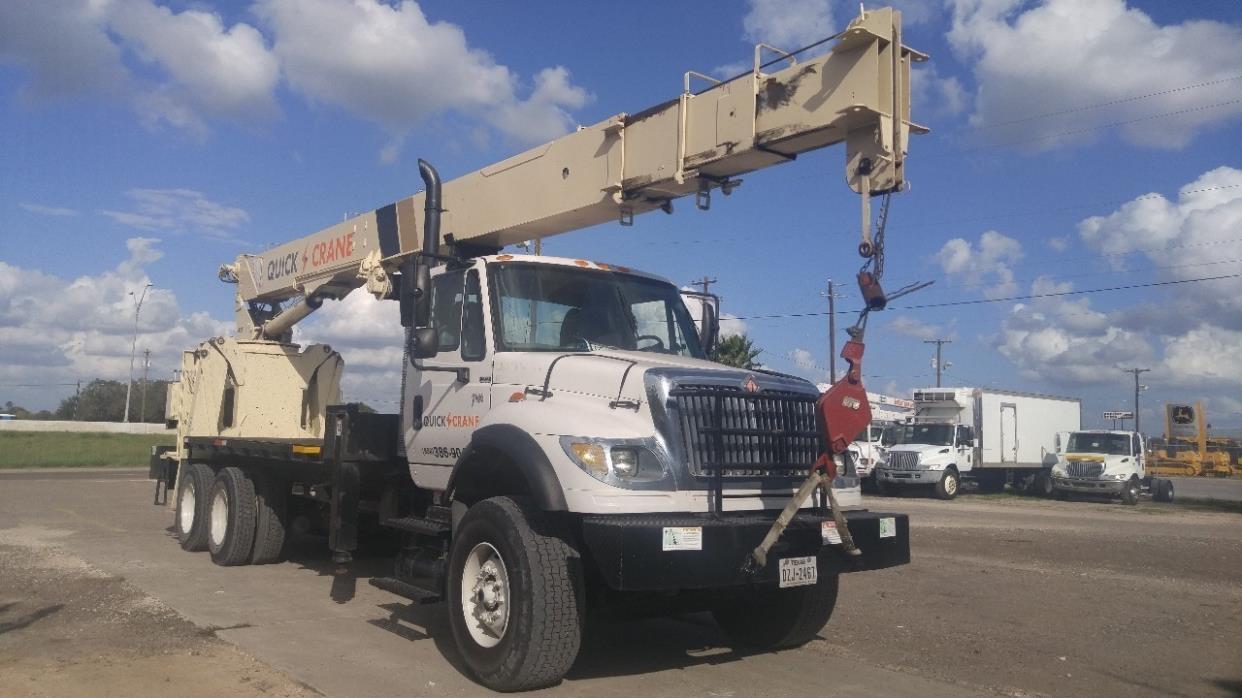 2003 International Workstar 7600  Crane Truck