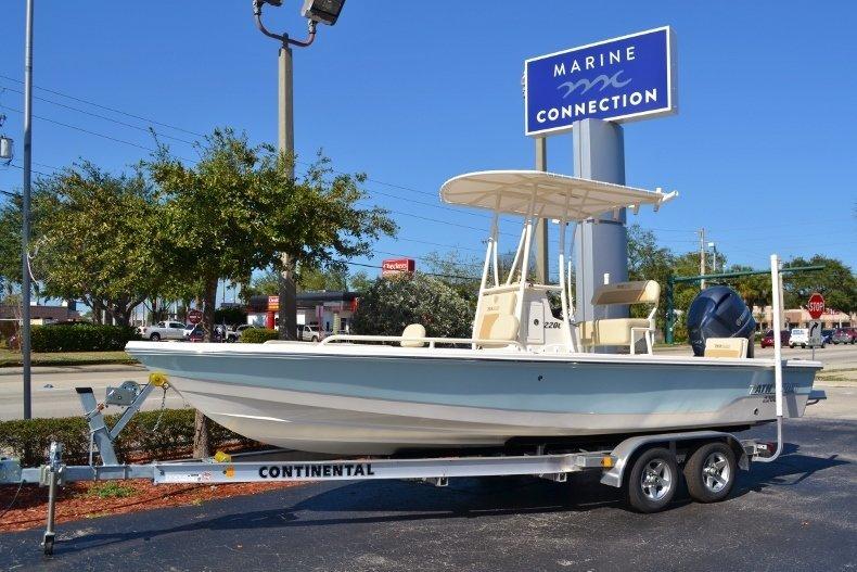 2017 Pathfinder 2200 TRS Bay Boat