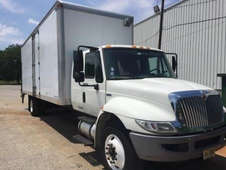 2012 International 4300  Moving Van