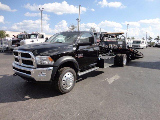 2017 Ram 5500 Flatbed Truck