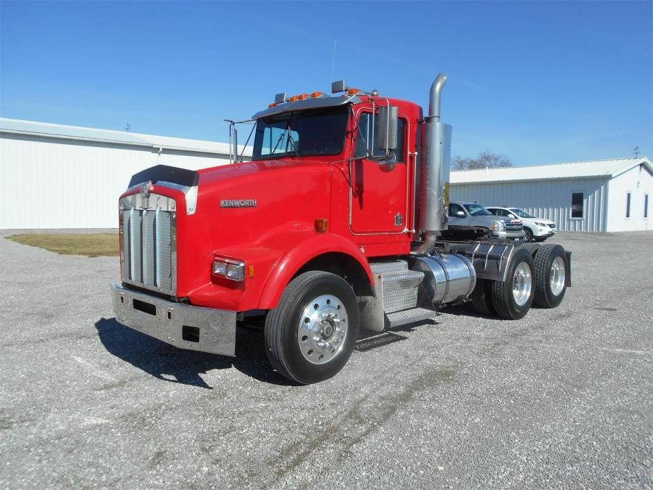 1993 Kenworth T800 Conventional - Day Cab