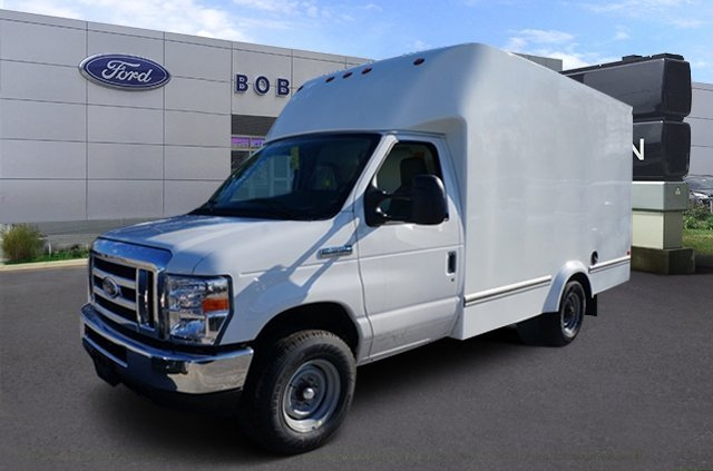 2017 Ford E-Series Cutaway Cutaway-Cube Van