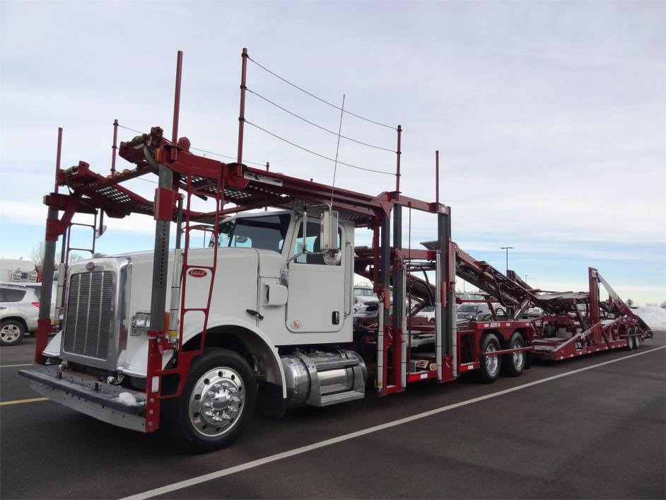 2012 Peterbilt 365 Car Carrier