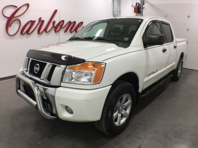 2010 Nissan Titan Pickup Truck