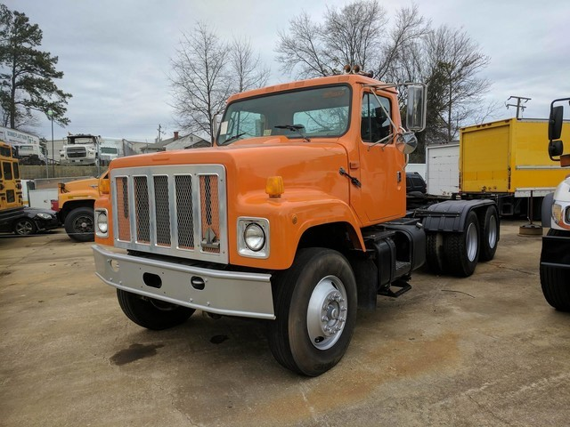 2003 International 2574 Conventional - Day Cab