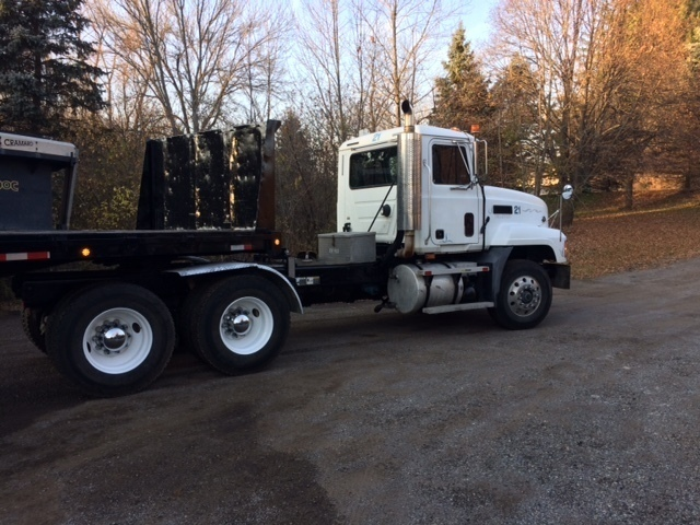 2001 Mack Cl713 Conventional - Day Cab