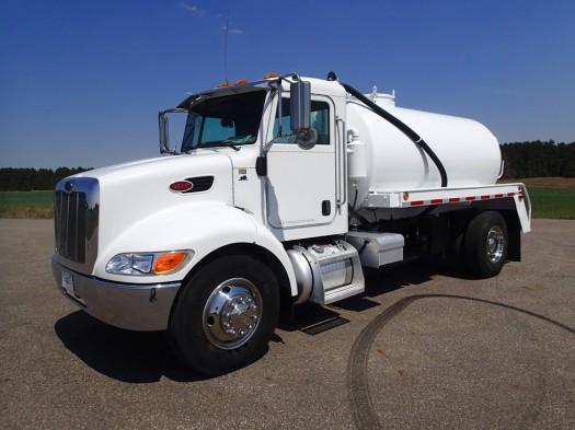 2007 Peterbilt 335 4 X 2 Lely Pacific Vacuum Tanker Truck Vacuum Truck