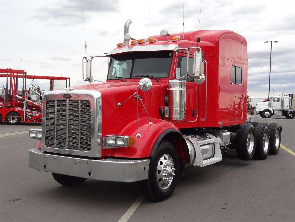 2008 Peterbilt 367  Conventional - Sleeper Truck
