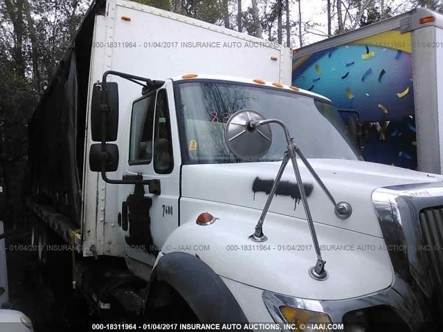 2007 International Workstar 7600  Flatbed Truck