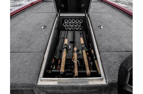 2017 Lund 1875 Pro V Bass, 1