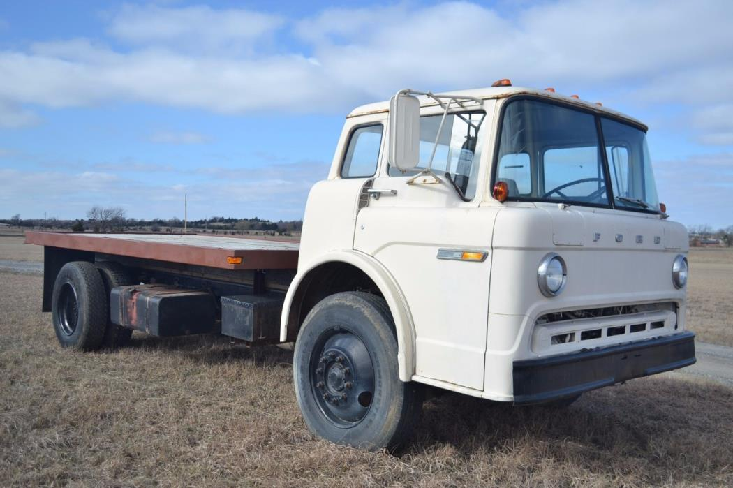 1980 Ford 8000  Cabover Truck - COE