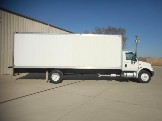 2011 International 4300  Moving Van