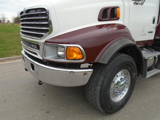 2005 Sterling Lt9500 Dump Truck, 3