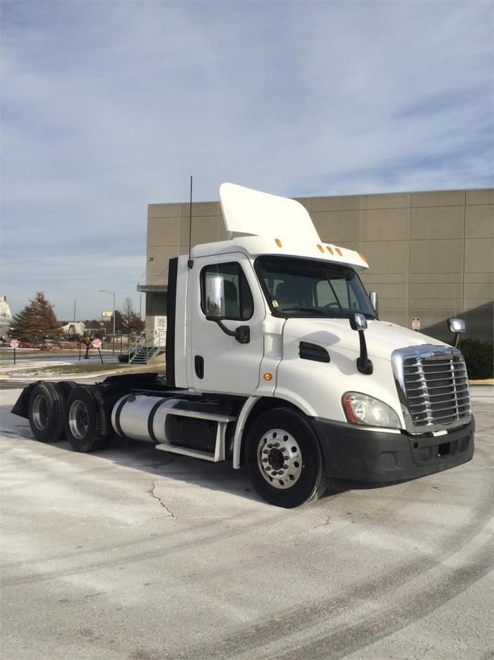 2013 Freightliner Cascadia Cab Chassis