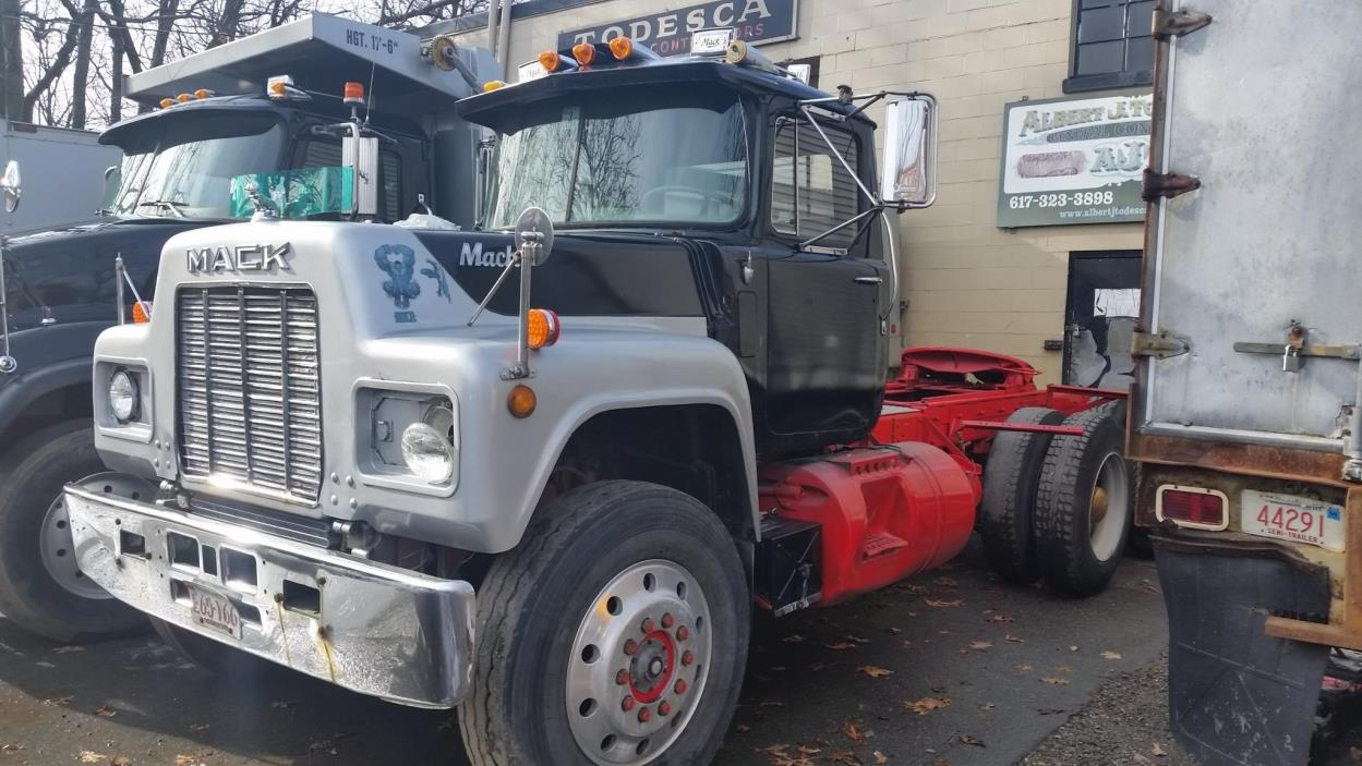 1988 Mack Rd688s Cab Chassis
