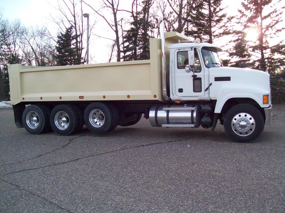 2007 Mack Chn613 Dump Truck