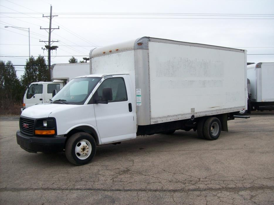 2005 Gmc G3500 Box Truck - Straight Truck