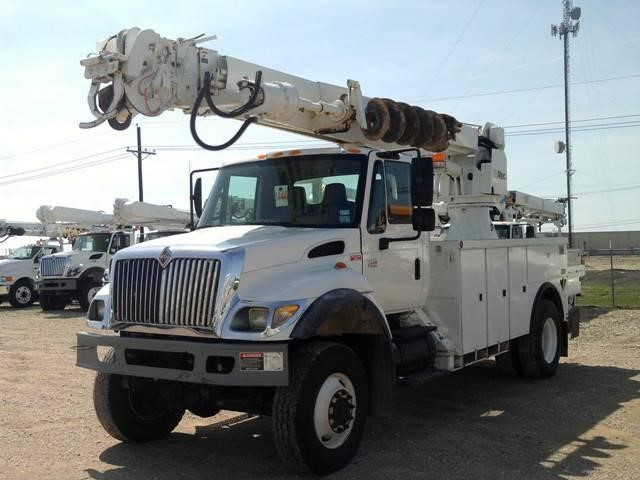 2007 International Durastar 4300 Digger Derrick
