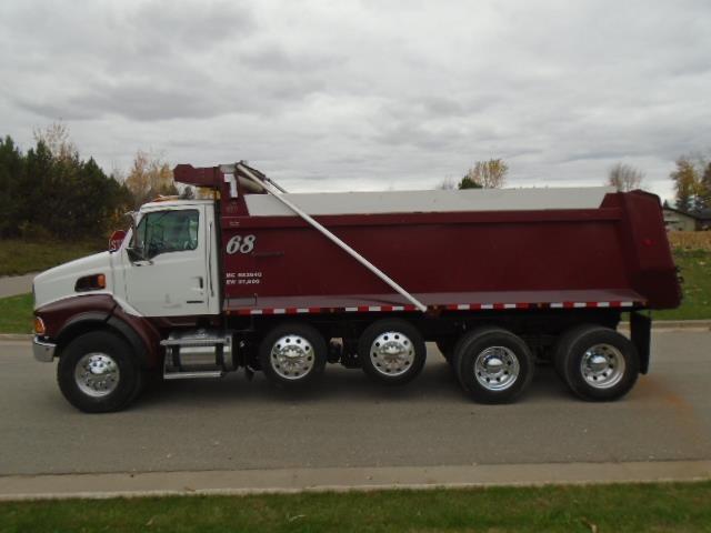 2005 Sterling Lt9500 Dump Truck, 2