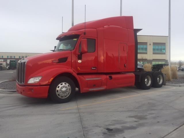 2014 Peterbilt 579  Conventional - Sleeper Truck