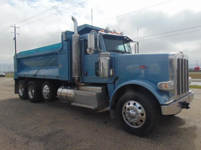 2013 Peterbilt 388  Dump Truck