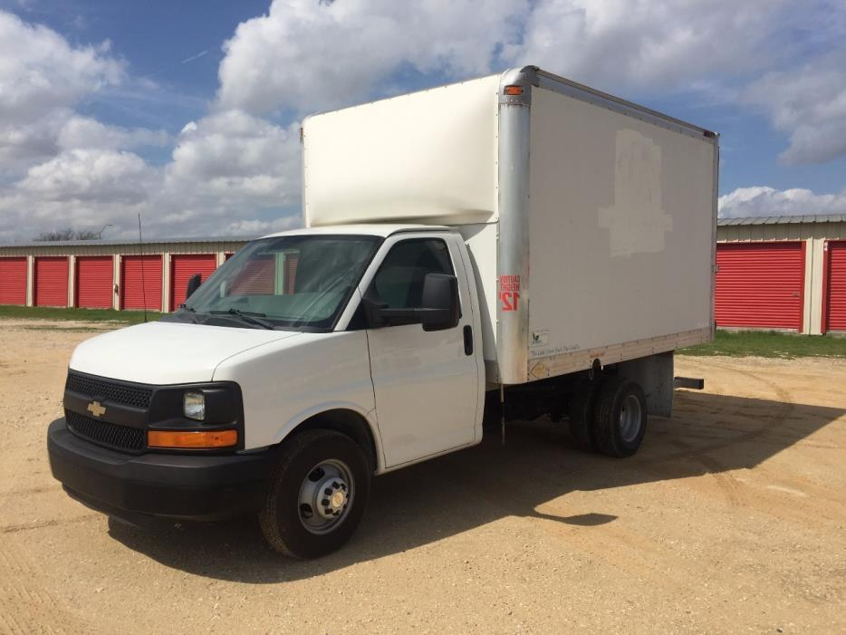 2011 Chevrolet Express G3500 Box Truck - Straight Truck
