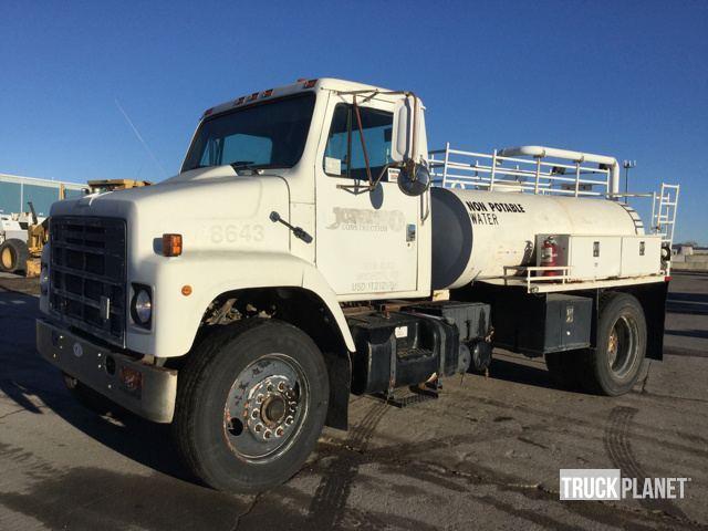 1985 International 2375 Water Truck