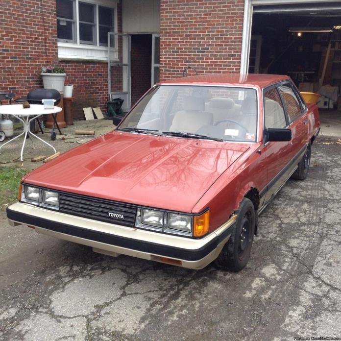 Toyota Camry 1983 - best offer!
