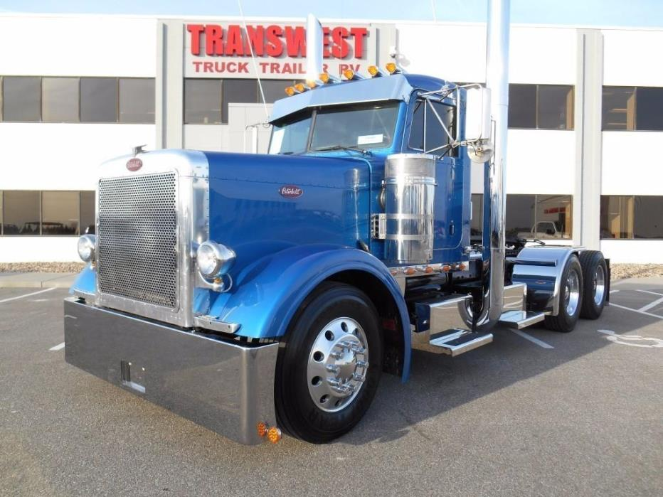 2004 Peterbilt 379 Conventional - Day Cab