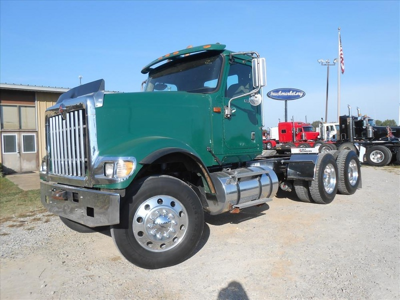 2011 International Paystar 5900i  Conventional - Day Cab