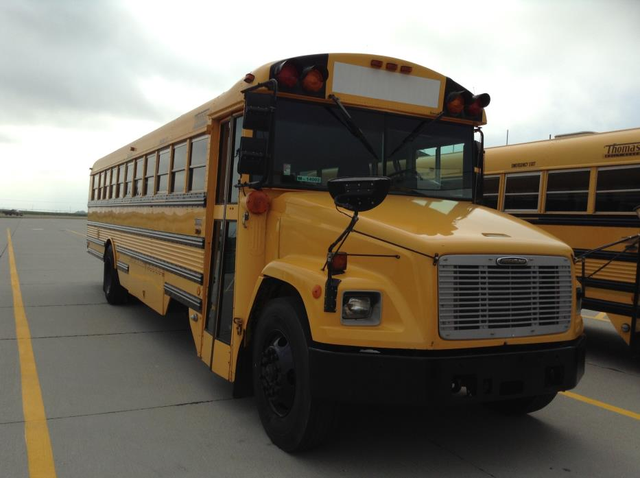 2001 Freightliner Thomas Bus, 1