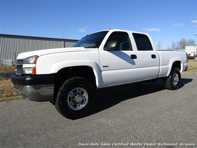 2005 Chevrolet Silverado 2500  Pickup Truck