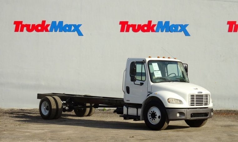 2007 Freightliner Business Class M2 106 Cab Chassis