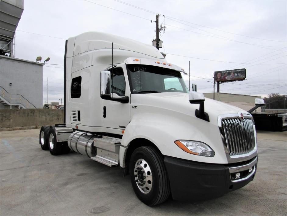 2018 International Lt625  Conventional - Sleeper Truck