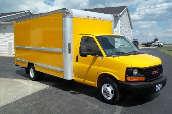 2011 Gmc Savana Cutaway Box Truck - Straight Truck