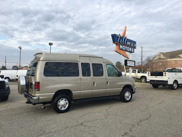 2011 Ford E-350 Xl Sup  Van