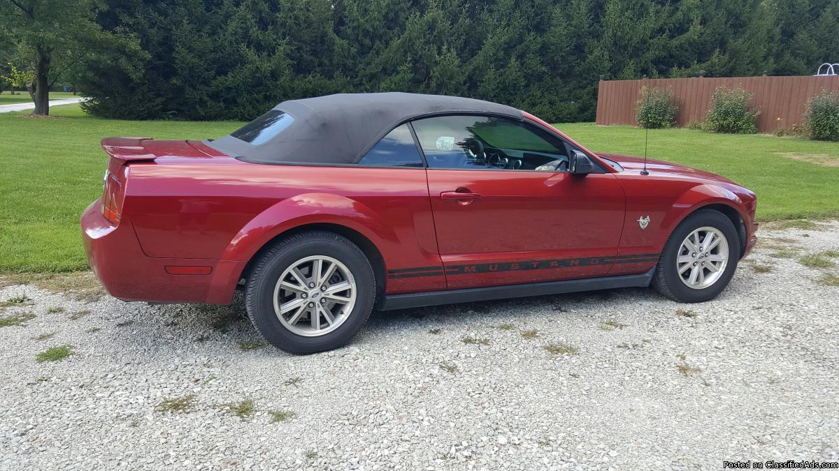 2009 Ford Mustang Convertable (Warrenty)