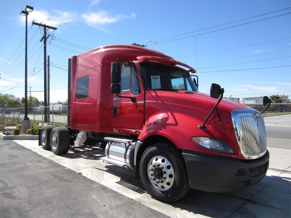 2012 International Prostar  Conventional - Sleeper Truck