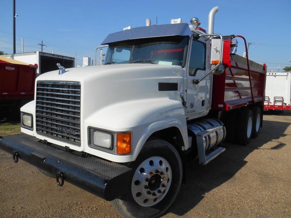 2012 Mack Ch613  Dump Truck