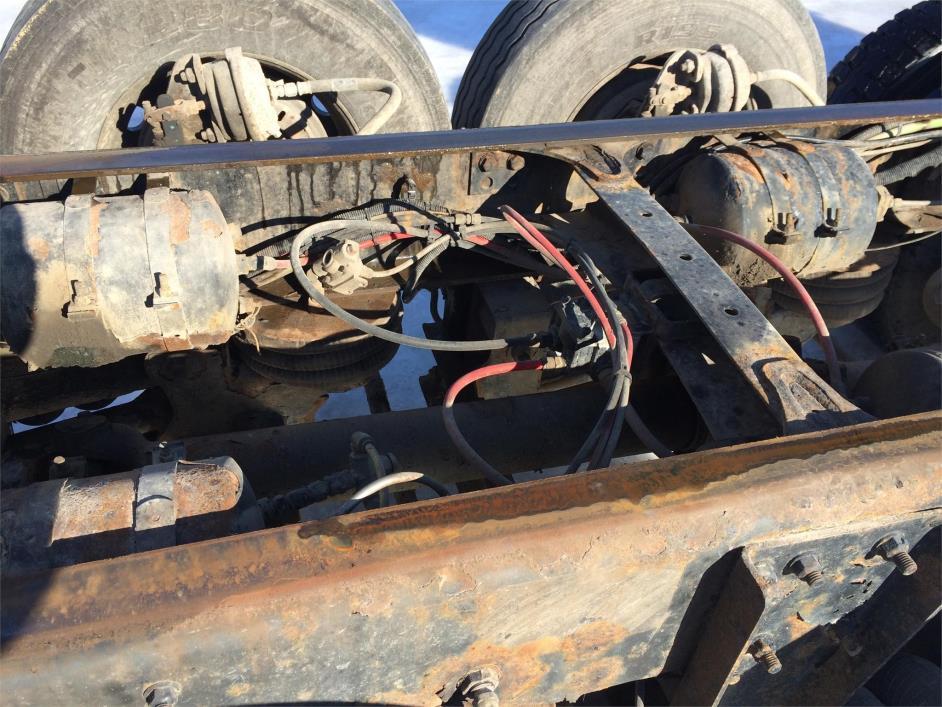 2003 Sterling Lt9513 Dump Truck, 8