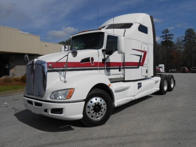2013 Kenworth T660 Conventional - Sleeper Truck, 1