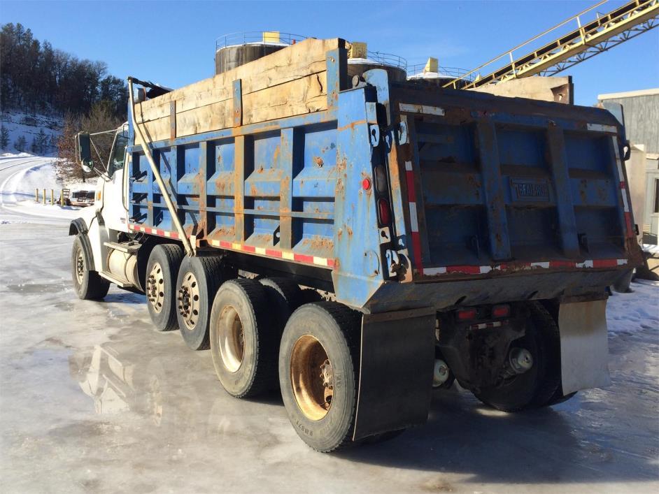 2003 Sterling Lt9513 Dump Truck, 3