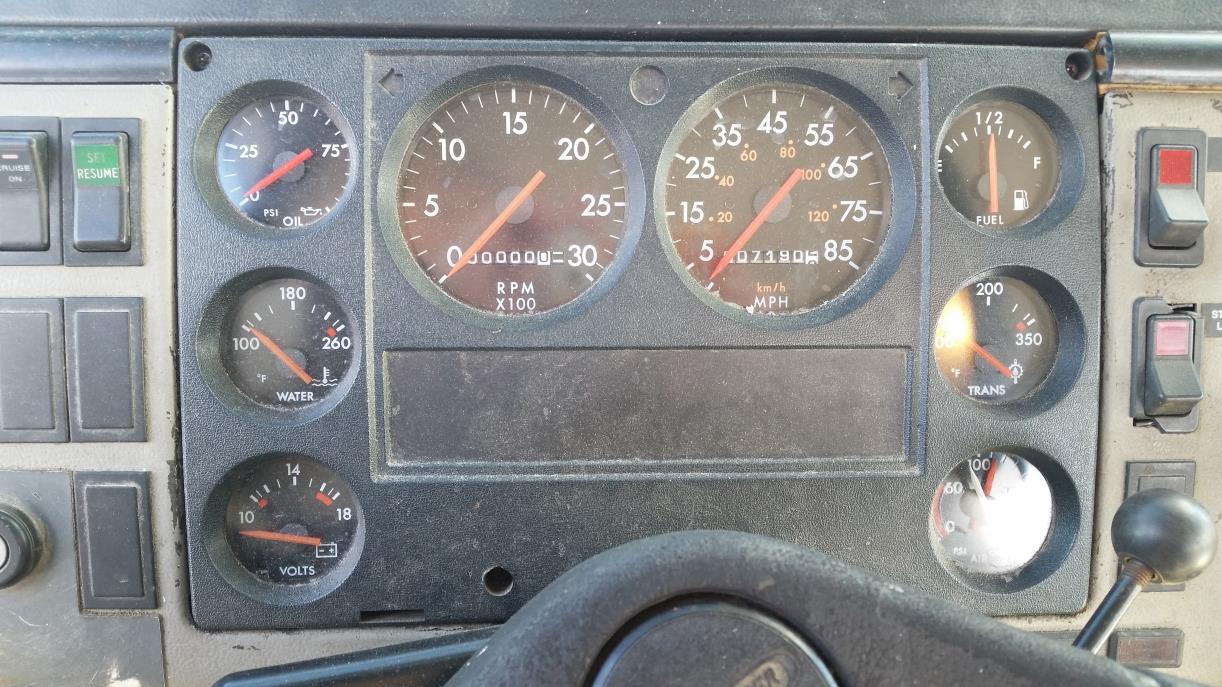 1998 Freightliner Fl70 Bucket Truck - Boom Truck, 4