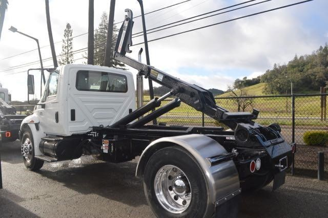 2004 International Durastar 4400  Dump Truck