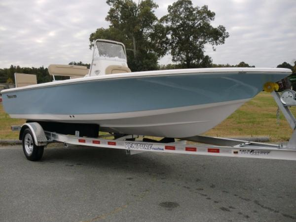 2016 TIDEWATER BOATS Select Model
