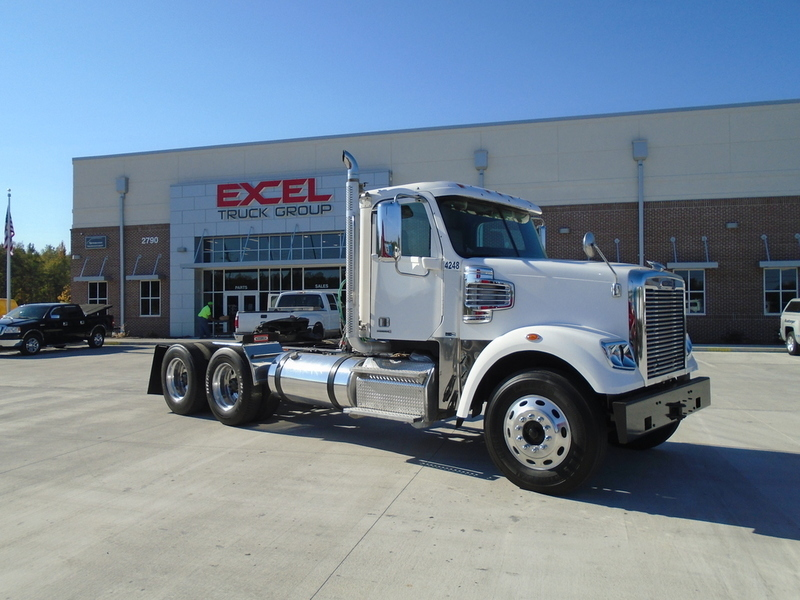 2011 Freightliner Coronado Sd  Conventional - Day Cab