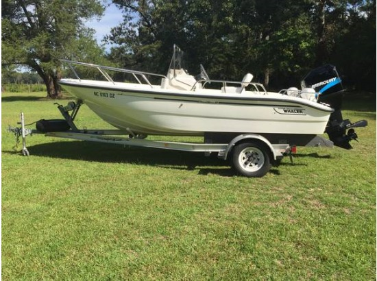 2001 Boston Whaler DAUNTLESS
